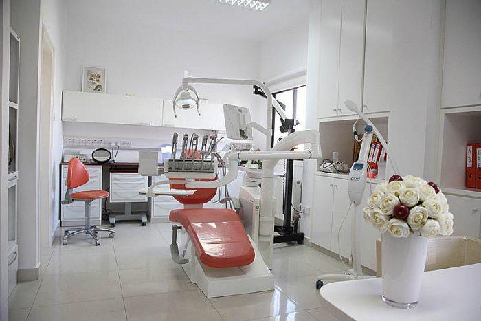 Dr Mando Tsompaneli Mavrou Dentist Office